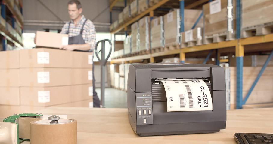 Купить принтер этикеток и внедрить его в промышленную эксплуатацию - задачи совершенно разные. Одно дело когда речь идет о простом настольном принтере этикеток и совершенно другое, когда речь о промышленном принтере штрих-кодов. В первом случае, при наличии небольшого опыта подключения принтеров, можно легко справиться с задачей. Разве что вас не устроят предусмотренные форматы печати этикетки, на которой печатается штрих-код. Доработку печатных форм быстро и качественно смогут выполнить наши программисты