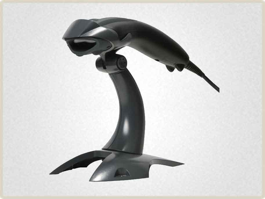 Ручной сканер штрих кода используется на рабочих местах с небольшим объемом сканирования или требующем точного наведения на считываемый штрих код