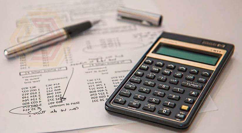 В управлении торговлей формируется простой бухгалтерский баланс. Программа 1С наделена всеми инструментами для оценки себестоимости, затрат и анализа финансов организации.